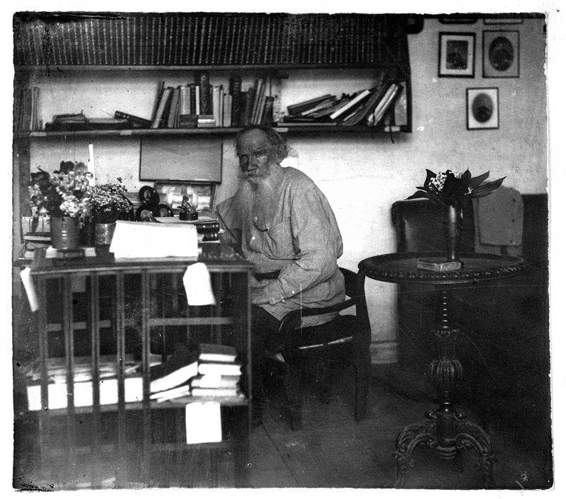 Лев Толстой, 1908 г. Снимка: commons.wikimedia.org