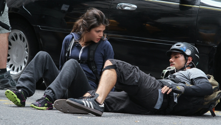 taylor-lautner-tracers-2
