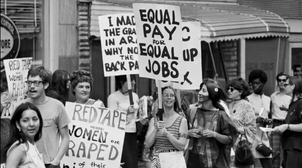 Типични слогани от протести за права на жените през 60-те.